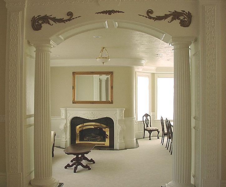 Арки с колоннами и ряды арок - фото интерьеров.