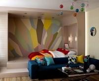 Яркая двухкомнатная квартира с нестандартной планировкой и скруглёнными углами - фото и описание