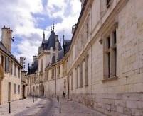 Дворец (замок) Жака Кёра в Бурже, рассвет средневековой готики