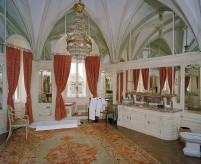 Интерьер ванной комнаты в готическом и неоготическом стилях, фото и описания